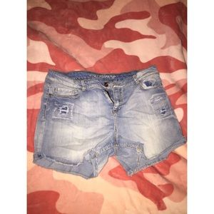 Mid thigh Shorts size 17